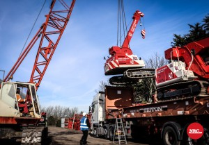 Crane lift onto lorry